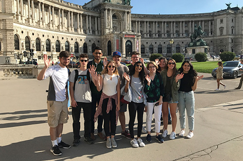 A group of students in front of the Hofburg palace
