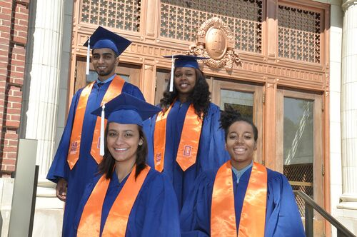 Graduating Lincoln Scholars pose in front of Lincoln Hall.
