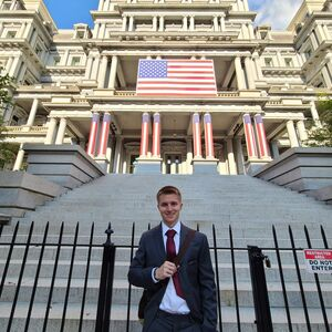 LAS student poses for a photo in Washington D.C.